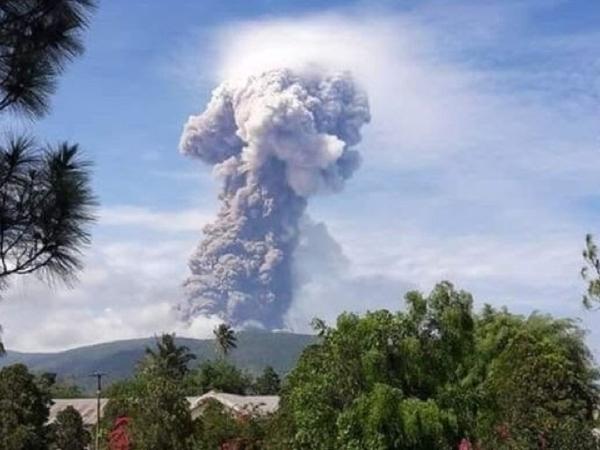 Gunung Soputan di Sulawesi Utara Meletus, Seberapa Jauh dengan Jarak dari Palu?