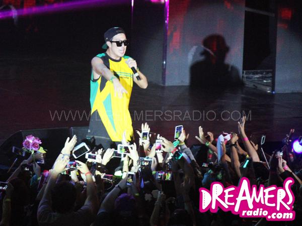Tampil Solo, HaHa Bawakan Lagu-lagu Reggae di Fan Meeting 'Running Man'!