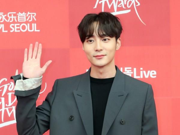 Penyanyi Roy Kim Masuk dalam Grup Percakapan Vulgar Jung Joon Young