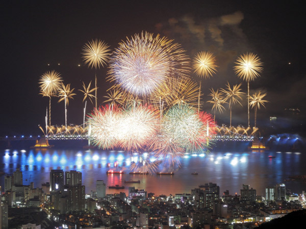 4 Musim Korea Akan Menyatu Dengan Cinta di Festival Kembang Api Busan!
