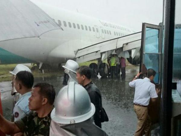 Pesawat Garuda Tergelincir Di Makassar, 148 Penumpang Selamat