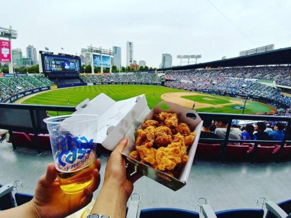 Stadium Hits Korea Ini Ternyata Bisa Jadi Lokasi Liburan dan Kencan Romantis!