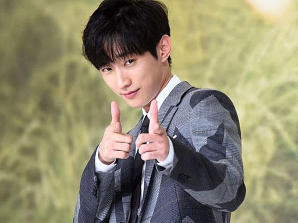 Selain Jadi Pemain, Jinyoung B1A4 Ciptakan dan Nyanyikan OST 'Moonlight Drawn by Clouds'!