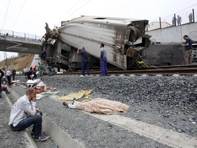 Tutupi Kecelakaan, Warga Spanyol Kecam Perusahaan Kereta