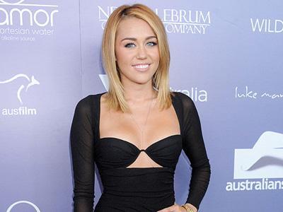 Miley Cyrus Gaet Bintang Porno di Video Klip Terbarunya?