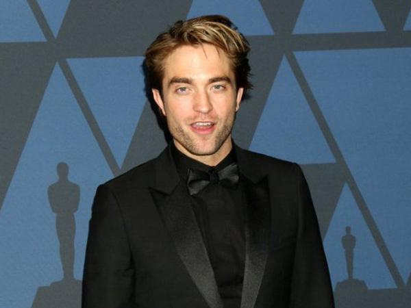 Robert Pattinson Tak Anggap Batman sebagai Superhero?