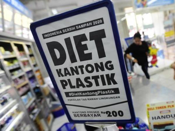 Sah! Akhirnya DKI Jakarta Mulai Larang Penggunaan Plastik Juli 2020 Mendatang