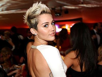 Wah, Miley Cyrus Ingin Bagikan Album Terbarunya Secara Gratis di Internet!