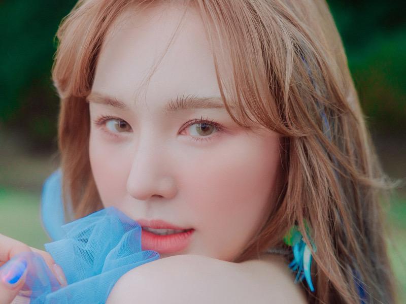 MV Review Wendy Red Velvet - Like Water: Visual dan Suara yang Menghanyutkan