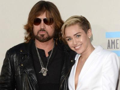 Sebelum Mulai Tur, Miley Cyrus Dapat 'Nasihat' dari Ayahnya!