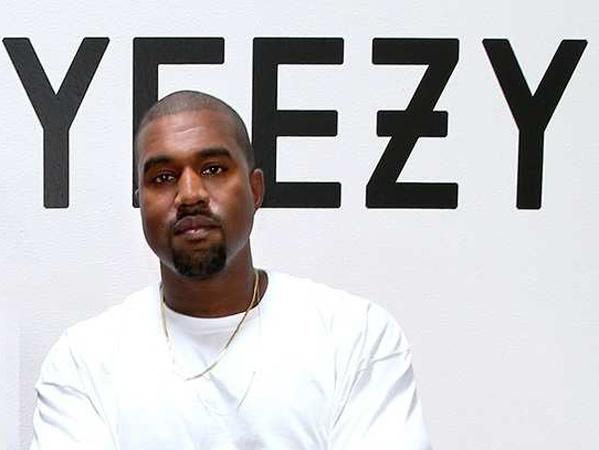 'Foam Runner' Koleksi Baru 'Yezzy' Kanye West yang Disebut Mirip 'Crocs'