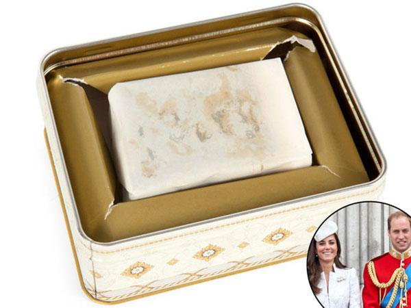 Wah, Sepotong Kue Pernikahan Kate Middleton dan Pangeran William Dilelang untuk Publik!