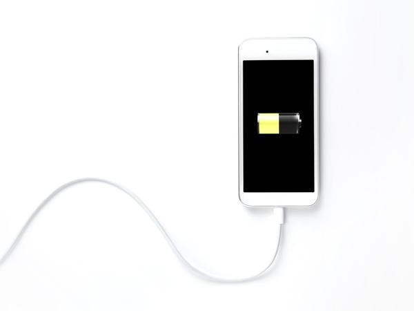 Ini Waktu yang Pas untuk Nge-charge Smartphone Jika Ingin Cepat Penuh