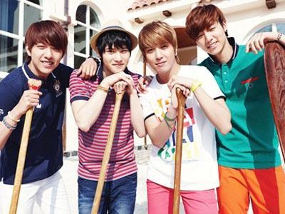 Rayakan 4 tahun Debut, Para Member CNBLUE Saling Kirim Pesan 'Estafet'!