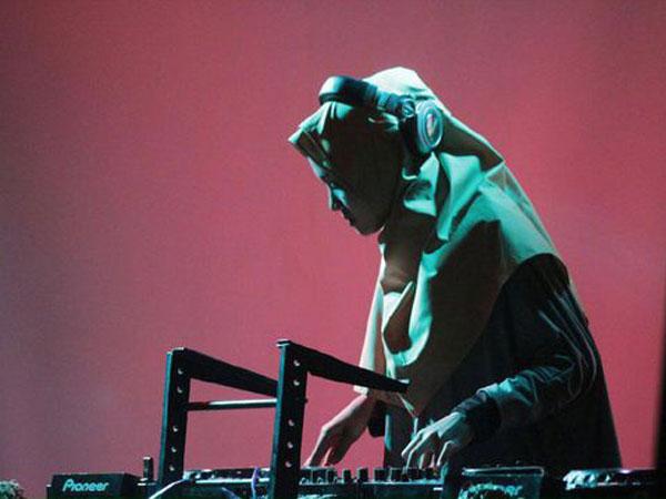 Kenakan Hijab Hingga Cadar, DJ Asal Solo Ini Jadi Perbincangan Netizen!