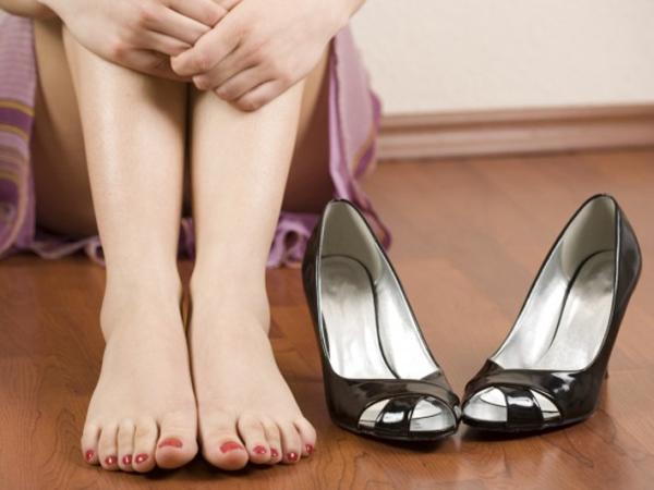 Suka Pakai Sepatu Hak Tinggi? Ini Dia Dampaknya Bagi Tubuh