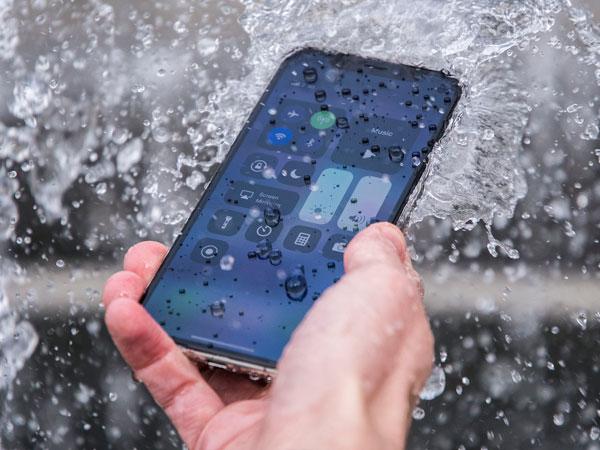 Paten Baru Apple Disebut Akan Buat iPhone Lebih Tahan Air
