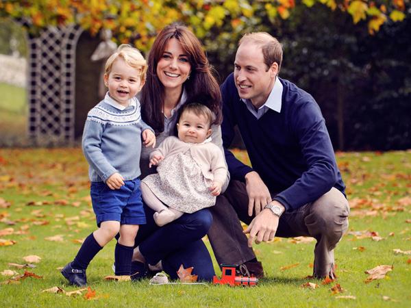 Harmonisnya Keluarga William-Kate di Foto Kartu Ucapan Natal
