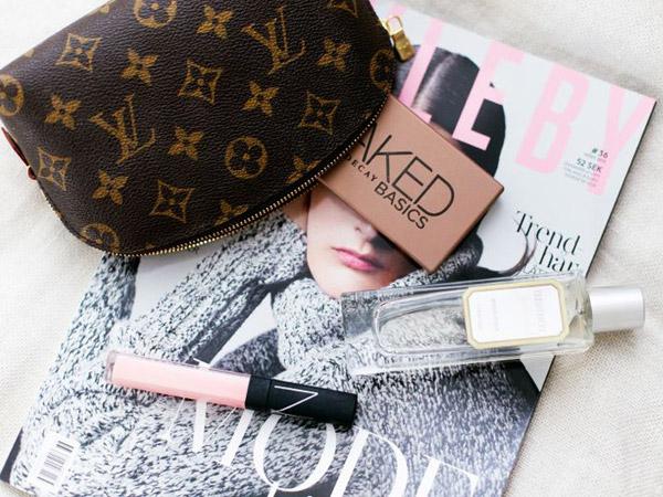 Berencana Liburan Tetap Cantik? Simak Tips Menyimpan Make-up untuk Bepergian Ini