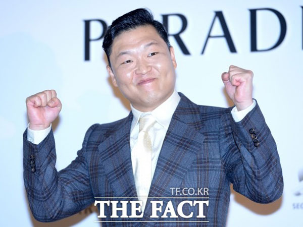 PSY Jadi Artis Asia Pertama yang Raih Plakat Diamond dari Youtube!