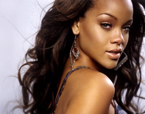 Syuting Rihanna Dihentikan Petani