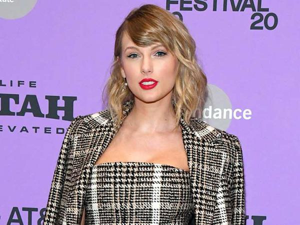 Taylor Swift Bagi-Bagi Uang untuk Fans yang Kesulitan Terdampak Corona