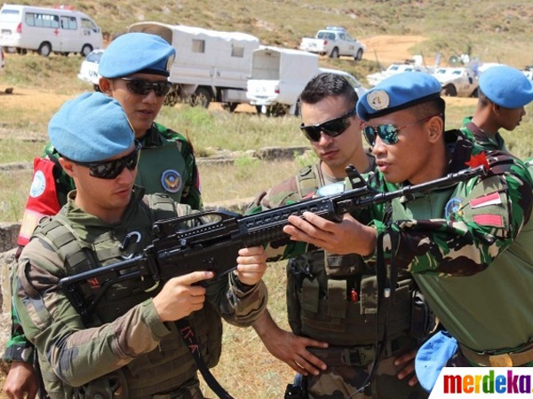 Simak Foto-Foto Gagah Tentara Indonesia Ajarkan Alutsista Pada Tentara Perancis