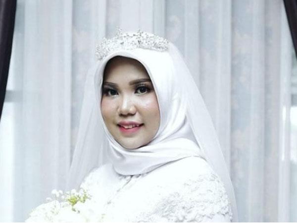 Cerita Viral Wanita Menikah 'Sendiri' Karena Calon Suami Jadi Korban Lion Air