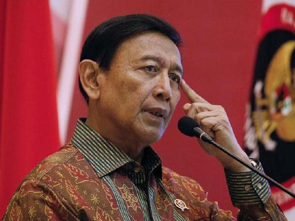 Video Detik-detik Penusukan Menko Polhukam Wiranto, Pelaku Terpapar ISIS?