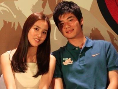 Han Hye Jin dan Ki Sung Yeung Ternyata Telah Resmi Suami-Istri!
