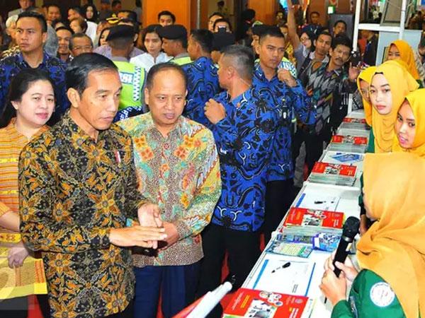 Antisipasi Perkembangan Zaman, Jokowi Usul Jurusan Toko Online Ada di SMK dan Universitas