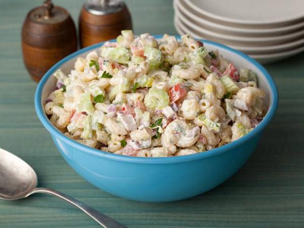 Segar, Yuk Kombinasikan Macaroni dengan Salad Favorit!