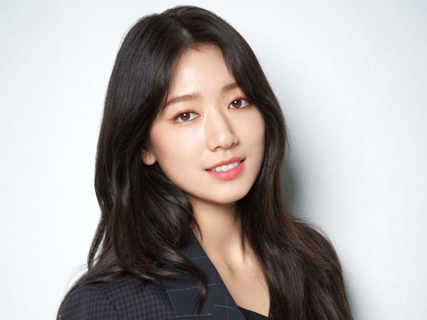 Park Shin Hye Bagikan Cerita Kocak Saat Syuting Film '#ALIVE'