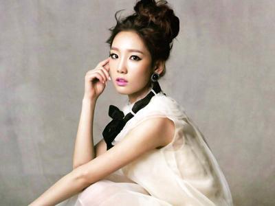 Taeyeon SNSD Pamer Perut Indahnya Di Selca Terbaru