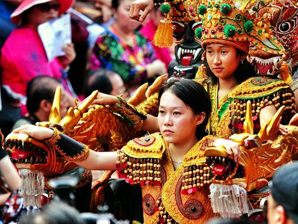 Yuk, Berkunjung Ke Festival Imlek Terbesar se-Asia Tenggara di Singkawang