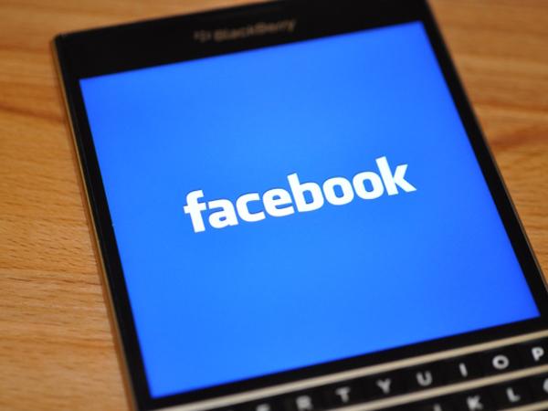 Setelah WhatsApp, Kini Giliran Facebook yang Akan Tinggalkan BlackBerry