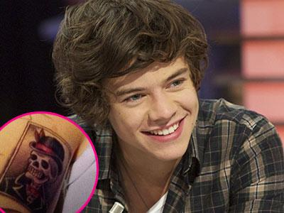 Wah, Harry Styles Kembali Pamer Tato Baru!
