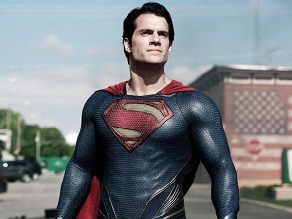Henry Cavill Bakal Kembali Tampil sebagai Superman