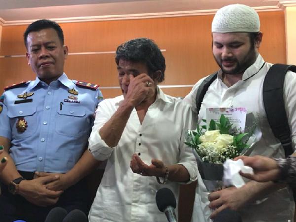 Ridho Rhoma Bebas dari Penjara, Mengapa Rhoma Irama Menangis?