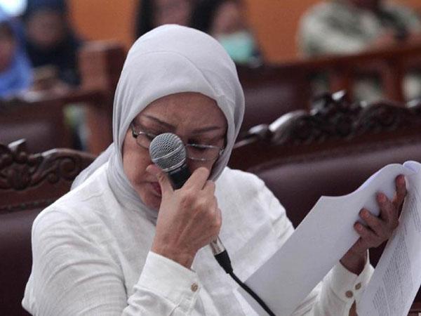 Tangis Ratna Sarumpaet Bacakan Pledoi Sebut Dirinya Dicap Ratu Pembohong