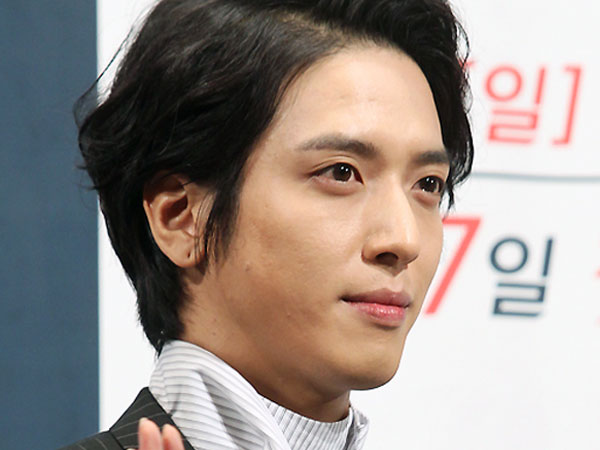 Yonghwa CNBLUE Ingin Penonton Nantikan Transformasinya di 'Three Musketeers'