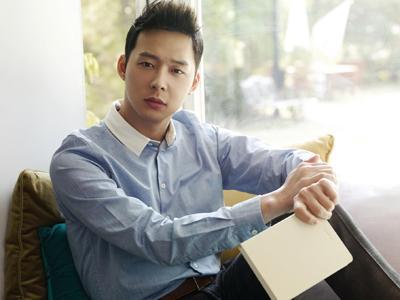 Yoochun JYJ Diperas Lewat Ponsel Mantan Pacarnya yang Hilang?