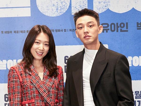 Yoo Ah In dan Park Shin Hye Saling Puji Usai Main Bareng di Film #ALIVE