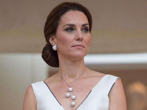 Tampil Modis dan Seksi, Begini Gaya Kate Middleton Saat Berkunjung ke Polandia