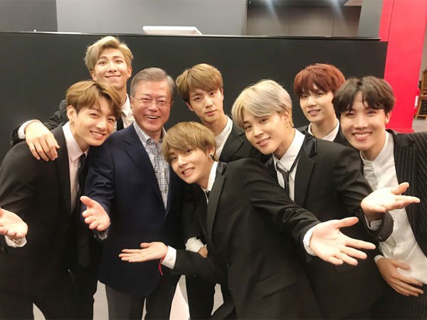 Bareng Presiden Moon Jae In, BTS Masuk Polling 'Person of the Year' Versi TIME