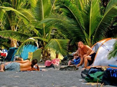 Berikut Tips Saat Camping di Pantai