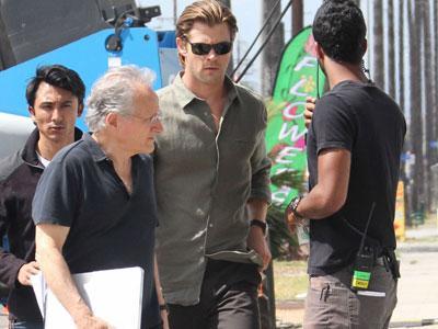 Syuting di Jakarta, Chris Hemsworth Asyik Belanja