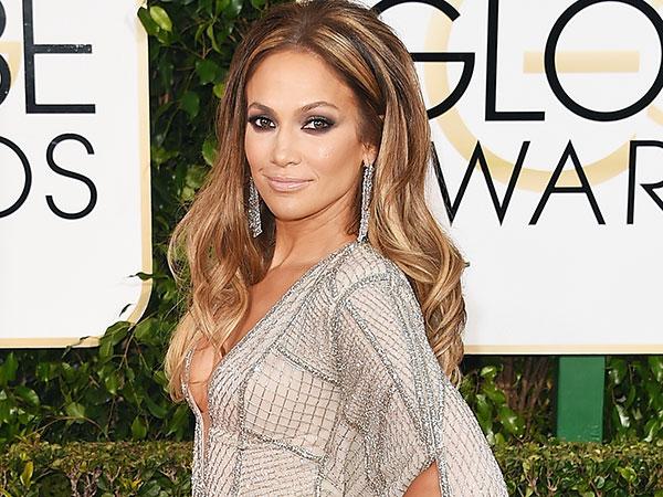 Jennifer Lopez Pacaran dengan Pria yang Usianya 18 Tahun Lebih Muda?