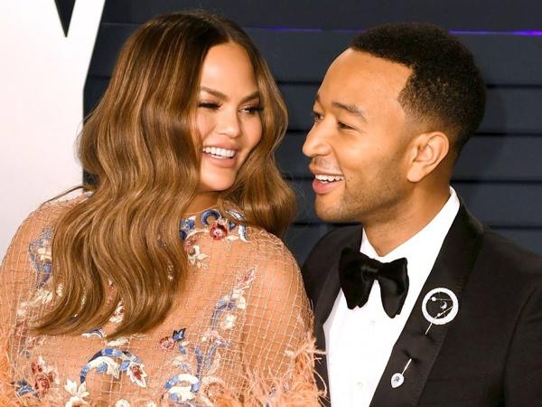 John Legend Ditetapkan Jadi Pria Terseksi, Ini Reaksi Lucu Chrissy Teigen