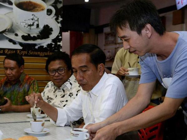 Aksi Sigap Paspampres Antisipasi Ancaman Racun Terhadap Jokowi yang Hobi Mendadak Kuliner